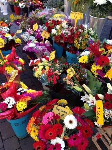 Flowers at el Rastro (Farmer's Market) - 1/25/15
